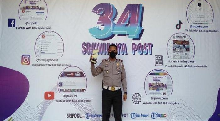 Satlantas Banyuasin teima Penghargaan Lokal Heroes Award